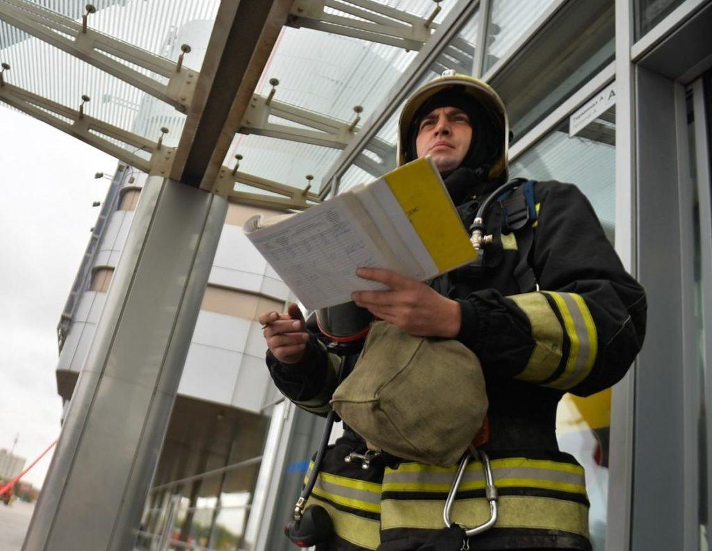 Проверки МЧС всегда предусматривают выездные мероприятий на предприятии, в зданиях