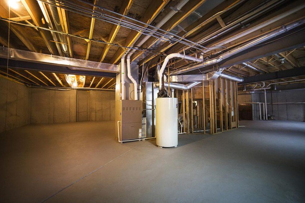 Использовать подвал под коммерческую или иную деятельность можно, если это не нарушит работу систем обеспечения здания