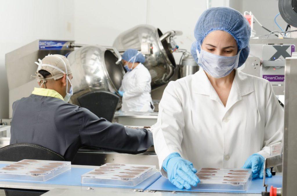 В ходе инспекционного контроля проводится выборочный контроль качества товаров