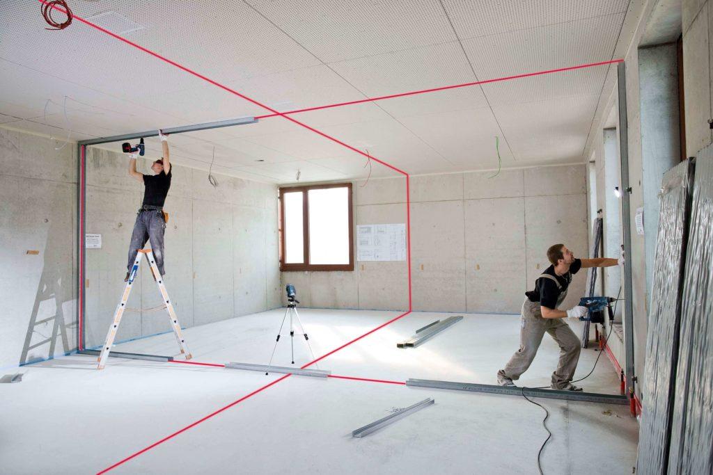 При разделе зданий для каждого изолированного и обособленного помещения делаются отдельные выходы. обеспечивается доступ к вспомогательным помещениям.