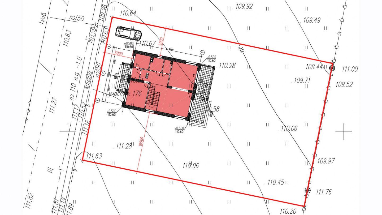Координирование зданий заключается в описании их местоположения на участке.