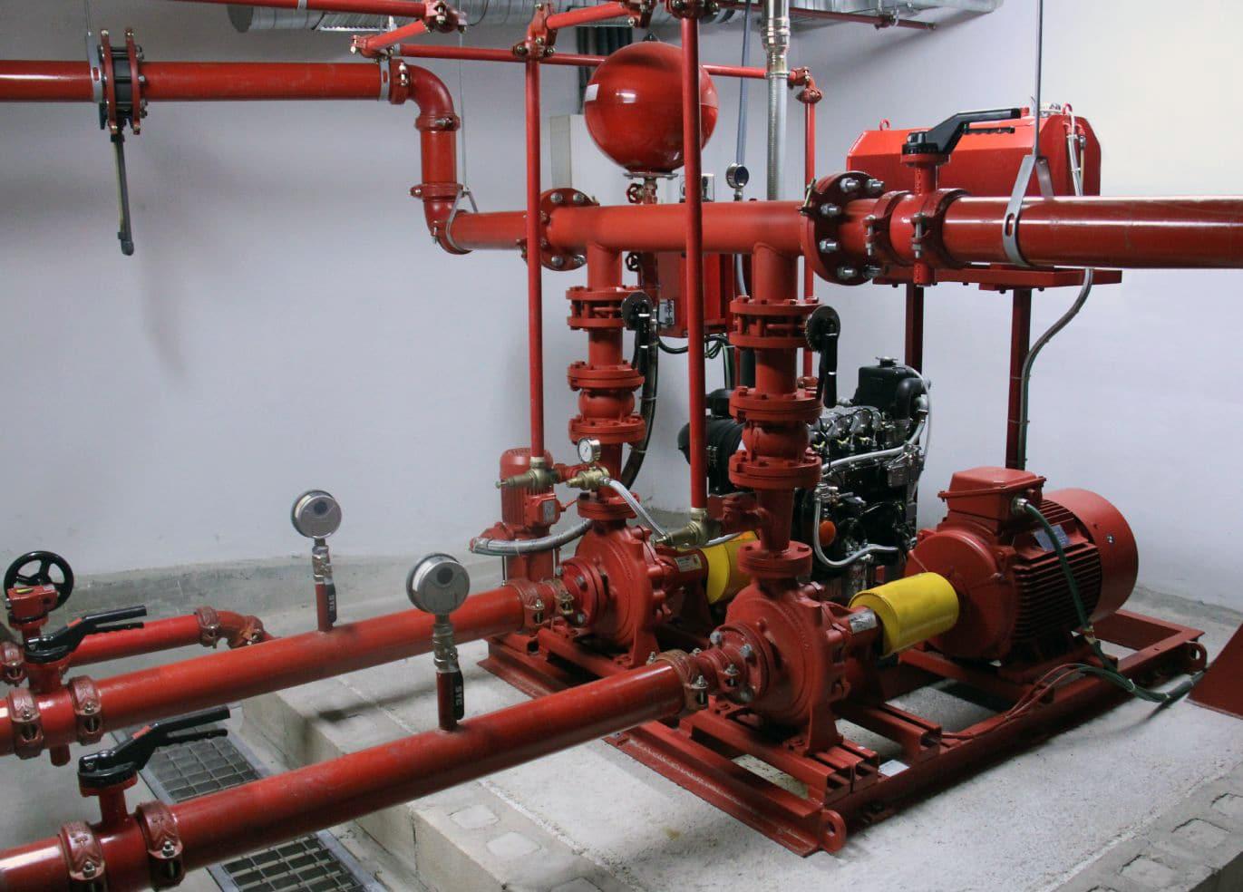 В систему пожарного водопровода входят трубопроводы, опуски, соединения, насосы. компрессоры, другие технические установки. Общая схема расположения оборудования будет включена в проект.