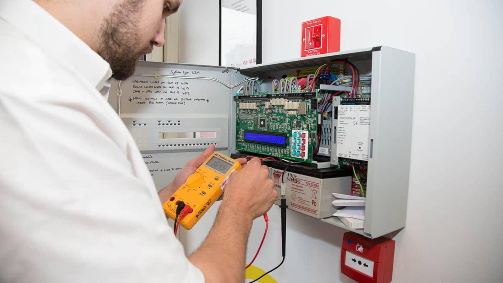 Согласно новым правилам, необходимо разработать и утвердить регламент обслуживания и ремонта всех систем защиты объекта.
